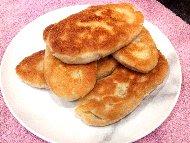 Бързи пържени питки със суха мая и сирене